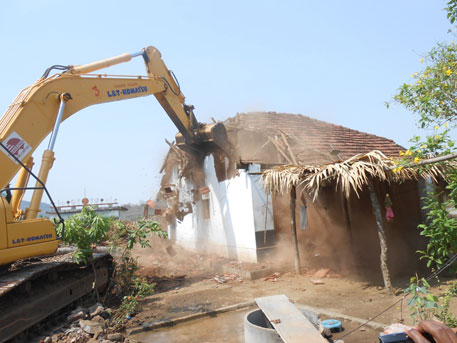 Polavaram project: Police demolish houses in Angaluru village of Andhra Pradesh