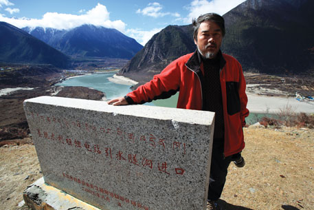 China plans on constructing a 50 metre high dam, and tunnel water at this bend from an altitude of 3,000 metres to harness the energy as it falls 2,000 metres—at a rate of 15 metres per kilometre