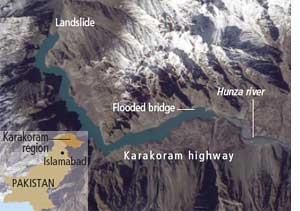 Landslide blocks river, forms lake