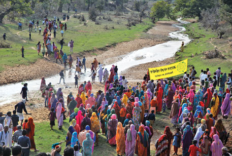 Communities of Singrauli, Madhya Pradesh, protest against environmental clearances granted to Mahan coal block. They say their rights over the Mahan forest are yet to be settled