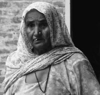 Mukhtair Kaur of Jhajjar village in Bathinda thinks she got breast cancer because she beat her chest too much when her brother died. She has been a patient for the past 15 years