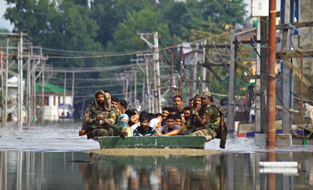 The Army and National Disaster Response Force were not familiar with the topography of Srinagar. This delayed the scaling up of rescue operations