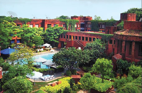 Hotel Mughal Sheraton in Agra fetched Ravindra Bhan the Aga Khan award for architecture in 1980
