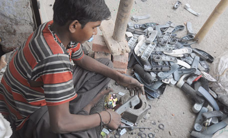 'Tsunami' of e-waste rolling out over the world