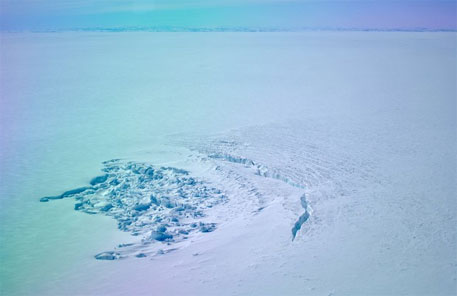 Greenland's sub-glacial lakes dried out in weeks, say studies