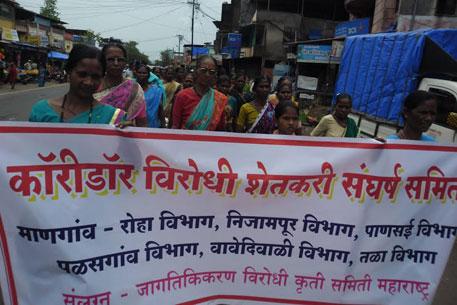Farmers in Raigad protest against land acquisition for Delhi-Mumbai corridor