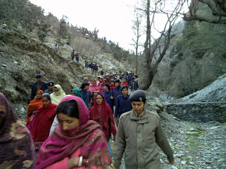 Women of Gaddi tribe being taken into custody on March 25 (photos by Dalipa Ram)