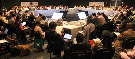 Conference of the Parties (COP) informal consultations on climate finance (Photo courtesy IISD)