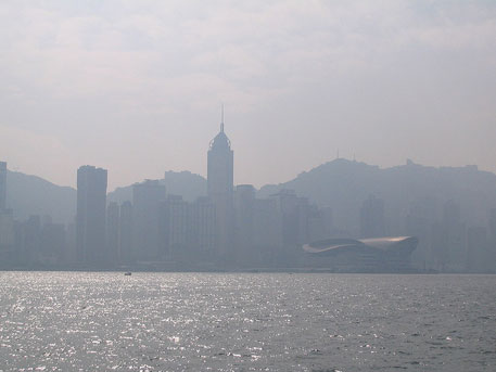 Air quality in Hong Kong worsened between 2007 and 2013 due to increased vehicular emissions (Photo credit: Flickr)