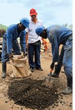 Zimbabwe nationalises mines to check high inflation