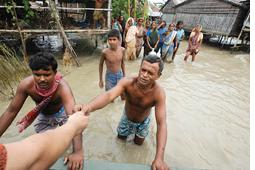 Bangladesh floods expose forecast failure