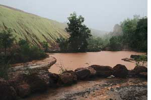 Goa continues to mine illegally