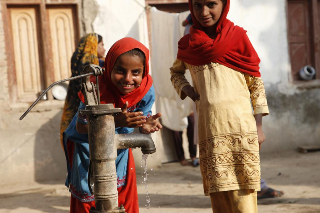 Overexploitation of groundwater, rising demand and climate variability raise doubt over accessibility of clean water resource. Credit: DFID/Flicker