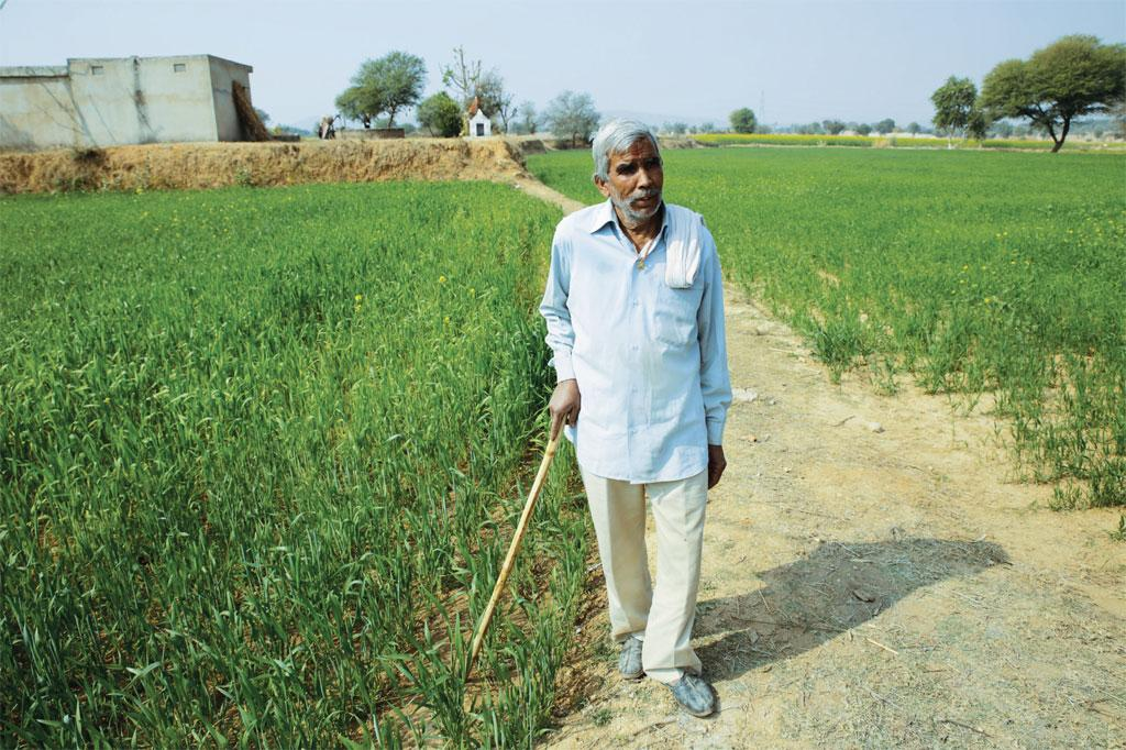 Raghuvir Singh of Sikar says that for the first time in two years he has earned a profit of over R1 lakh through farming (Photos: Vikas Choudhary)
