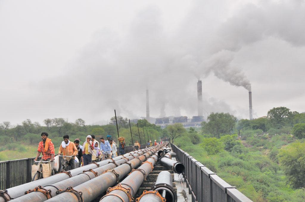 A power plant in Singrauli area in Uttar Pradesh. Singrauli has been a critically polluted area since 1989 (Photo: Meeta Ahlawat)