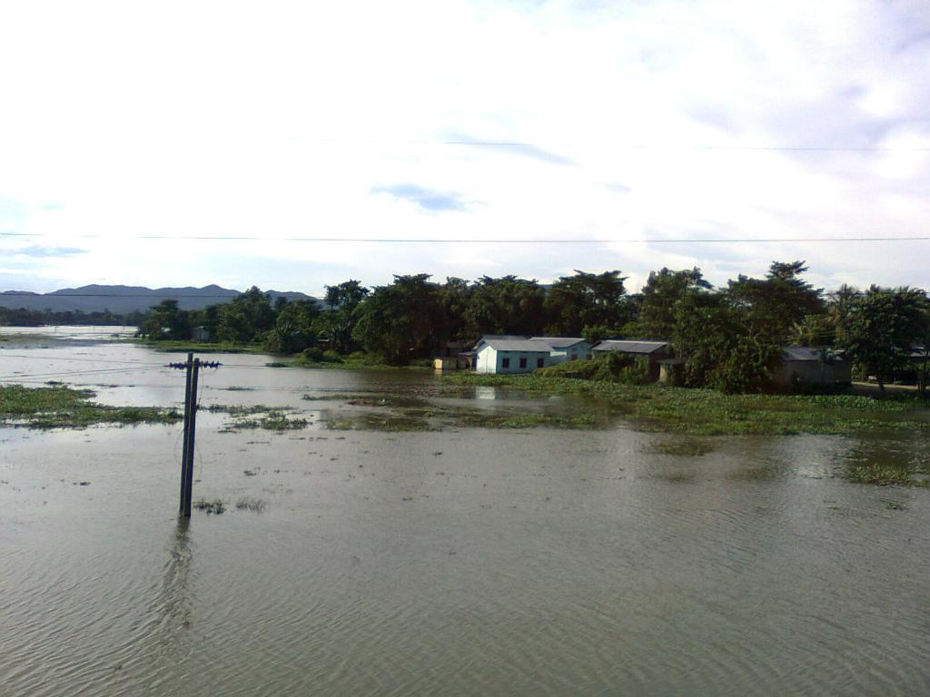 Brahmaputra—one of the largest river systems in the world—causes considerable damage to the region through frequent flooding. Credit: Wikimedia Commons