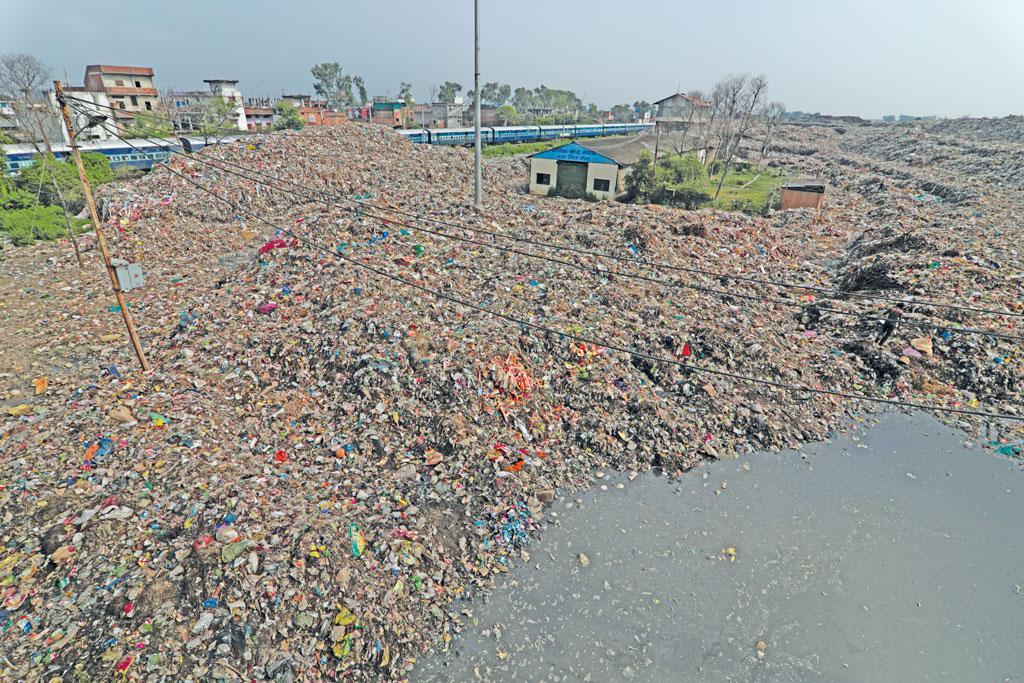 भोपाल के भानपुरा गांव स्थित कचरे की खंती