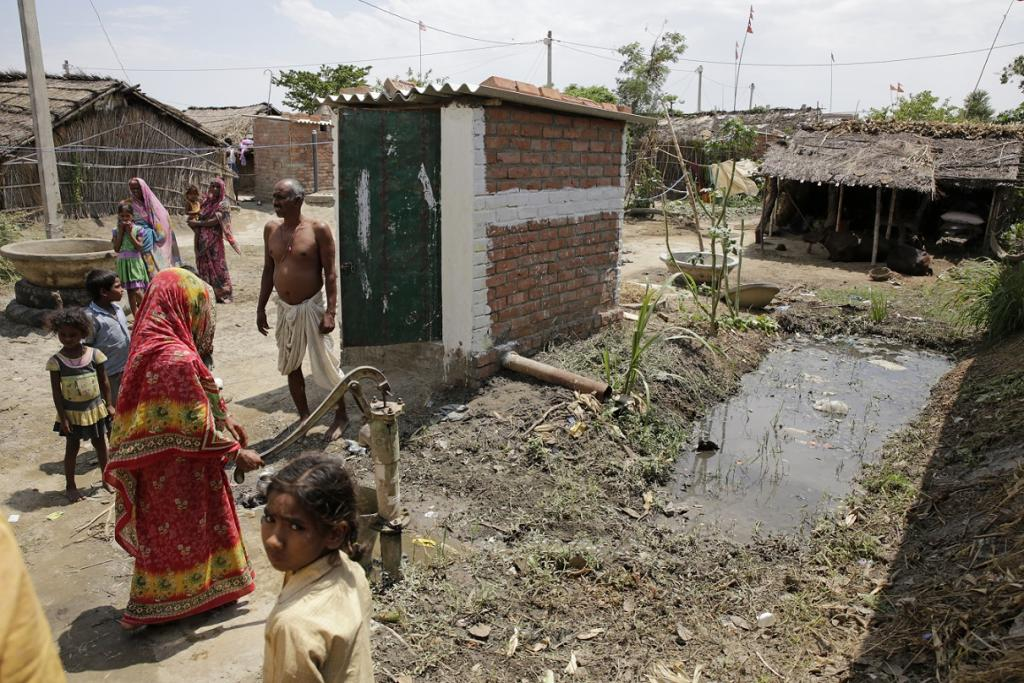 In India, 93 per cent of latrines or septic tanks have never been emptied. Credit: Vikas Choudhary / CSE