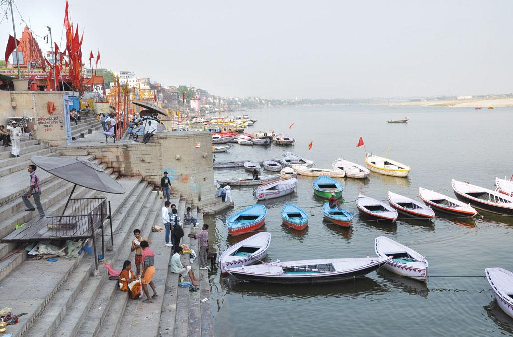 Of the 100-odd ghats, only the Dashashwamedh Ghat attracts the maximum number of visitors as it is close to the Kashi Viswanath Temple (Photographs: Sunil Kumar Singh)
