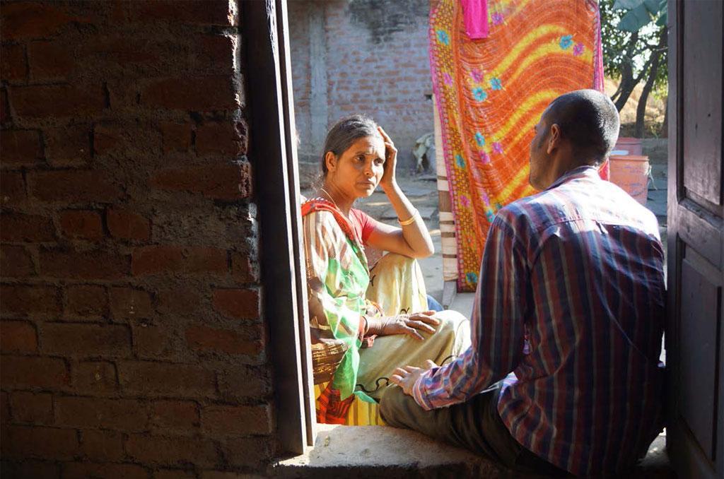 छत्तीसगढ़ के धमतरी जिले की लक्ष्मी साहू का कहना है कि उनके पति ने जून 2017 को आत्महत्या कर ली। क्योंकि वह 4.48 लाख रुपए का कृषि ऋण चुकाने में असमर्थ थे (पुरुषोत्तम ठाकुर)