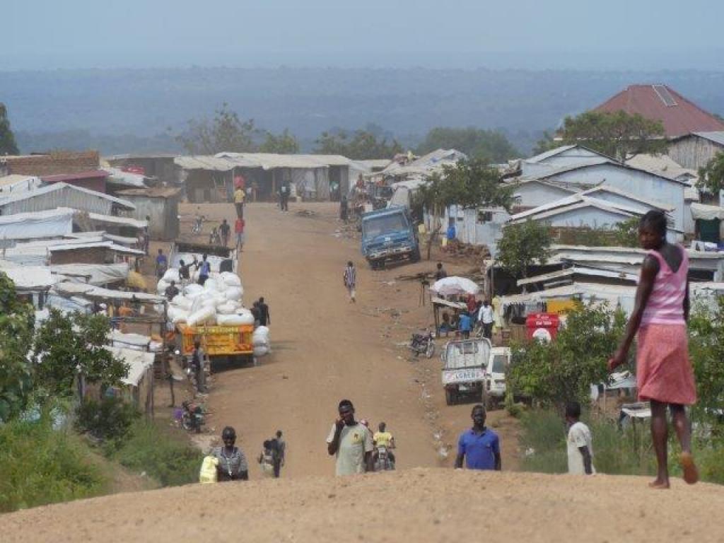 South Sudan refugees dwelling among local community at Bidibidi settlement in northern Uganda. Credit: Deborah Duveskog, FAO, Oct, 2017
