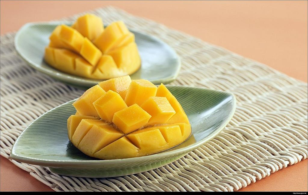 More than a thousand different types of mango plants are cultivated and propagated in India. Credit: Hamza Butt/Flickr