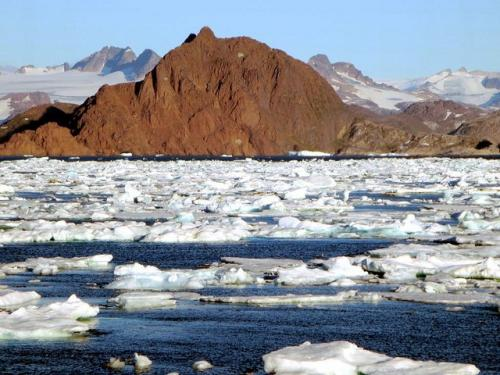 Greenland fossil find may force rethink on origin of life