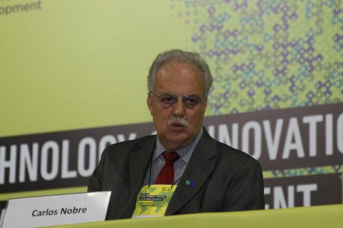 Brazilian climate scientist wins Volvo Environment Prize for work on Amazon