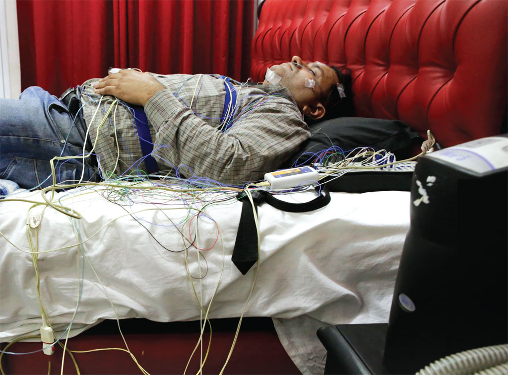 Gurmeet Singh of Delhi cannot sleep well at night. Incessant snoring and breathlessness wake him up frequently. He undergoes a sleep study at a clinic (Photo: Vikas Choudhary)