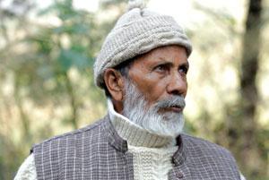 चिपको आंदोलन के प्रणेता चंडी प्रसाद भट्ट  का भी मानना है की हर गांव का अपना एक जंगल होना चाहिए