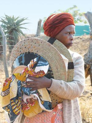Women artisans with Gone Rural create apparels using placemats and baskets (Courtesy: madeinswaziland.blogspot.in)