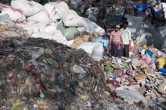 Waste pickers at the Okhla landfill collect garbage and segregate it into recyclable and non-recyclable waste Photographs by: Sayantoni PalchoudhuriAlso read: Earth crusaders