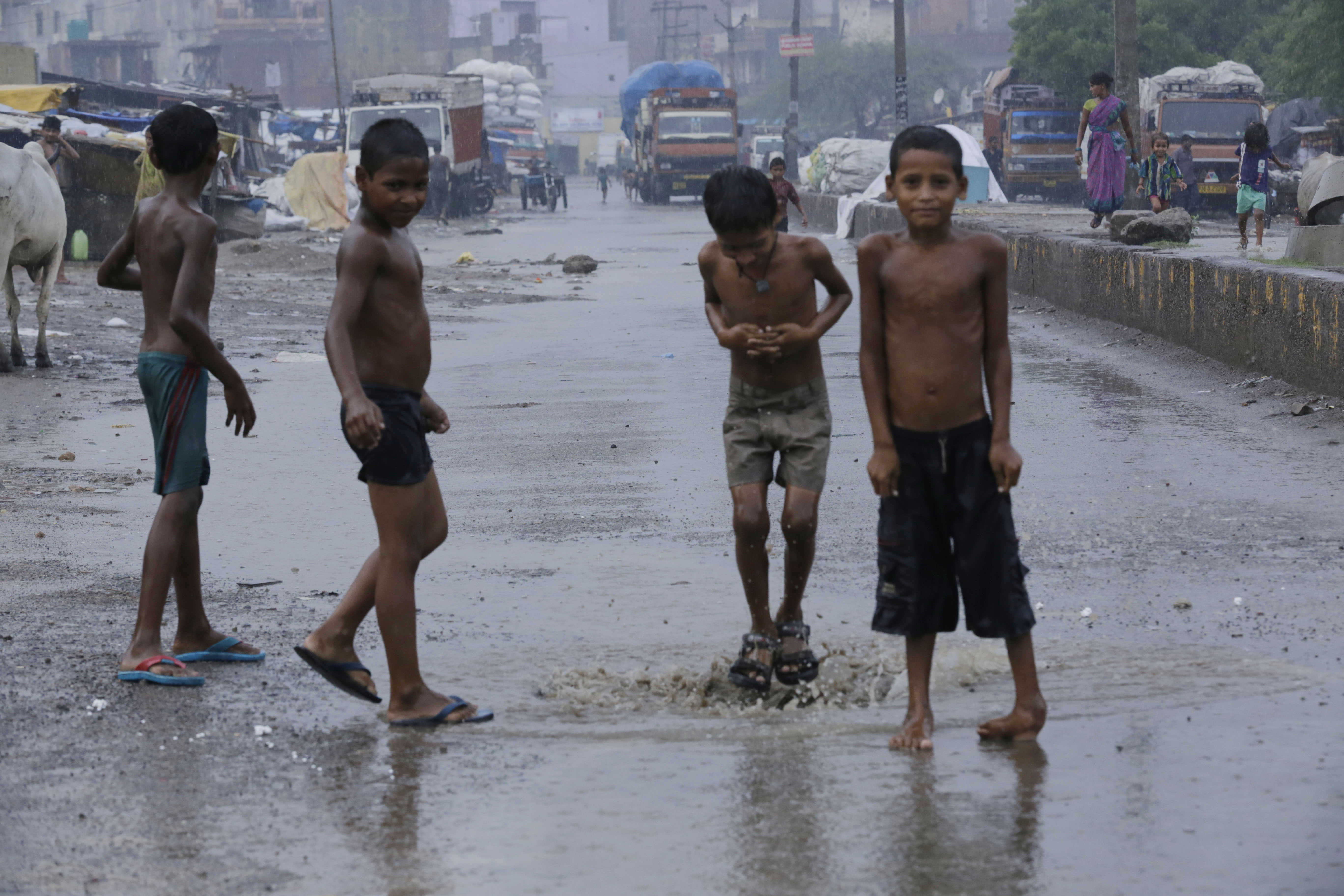 Urban children in slums more vulnerable to health risks, says report