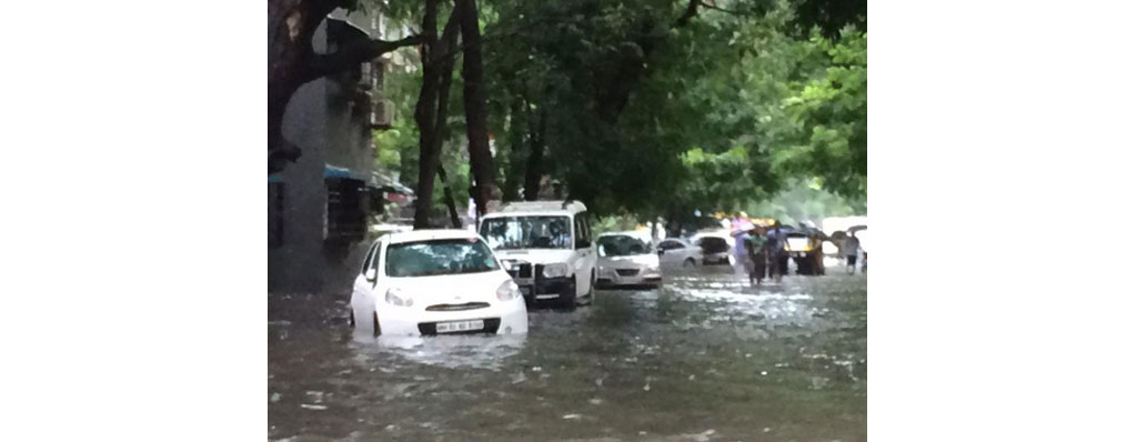 Heavy rains expose Mumbai's vulnerability to flooding yet again
