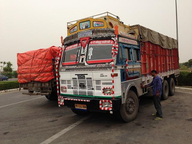 New CSE survey debunks official number of trucks entering Delhi
