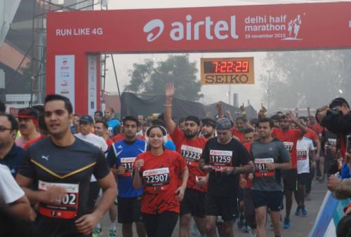 Runners exposed to high pollution levels during Delhi marathon