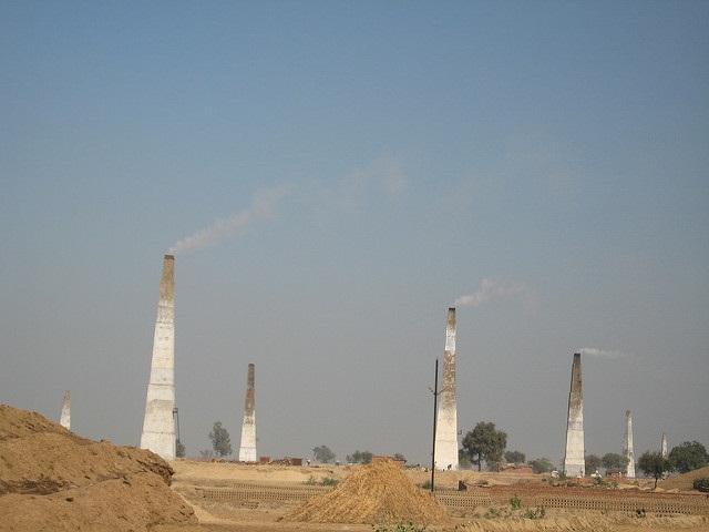 Experts rue Uttar Pradesh pollution board's move to reduce brick kiln pollution