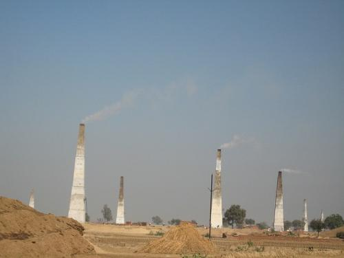 Experts rue Uttar Pradesh pollution board's move to reduce brick kiln pollution