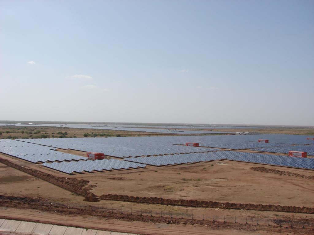 France backs India's solar alliance to fight climate change