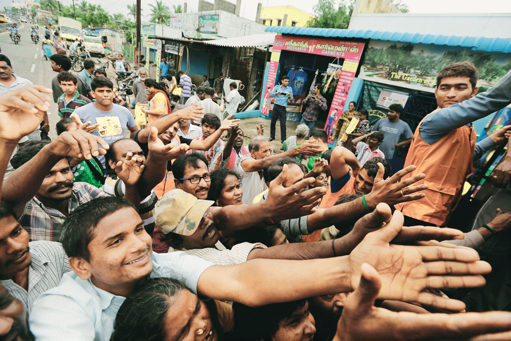 Food being distributed to flood victims at Aarakunam in Chennai