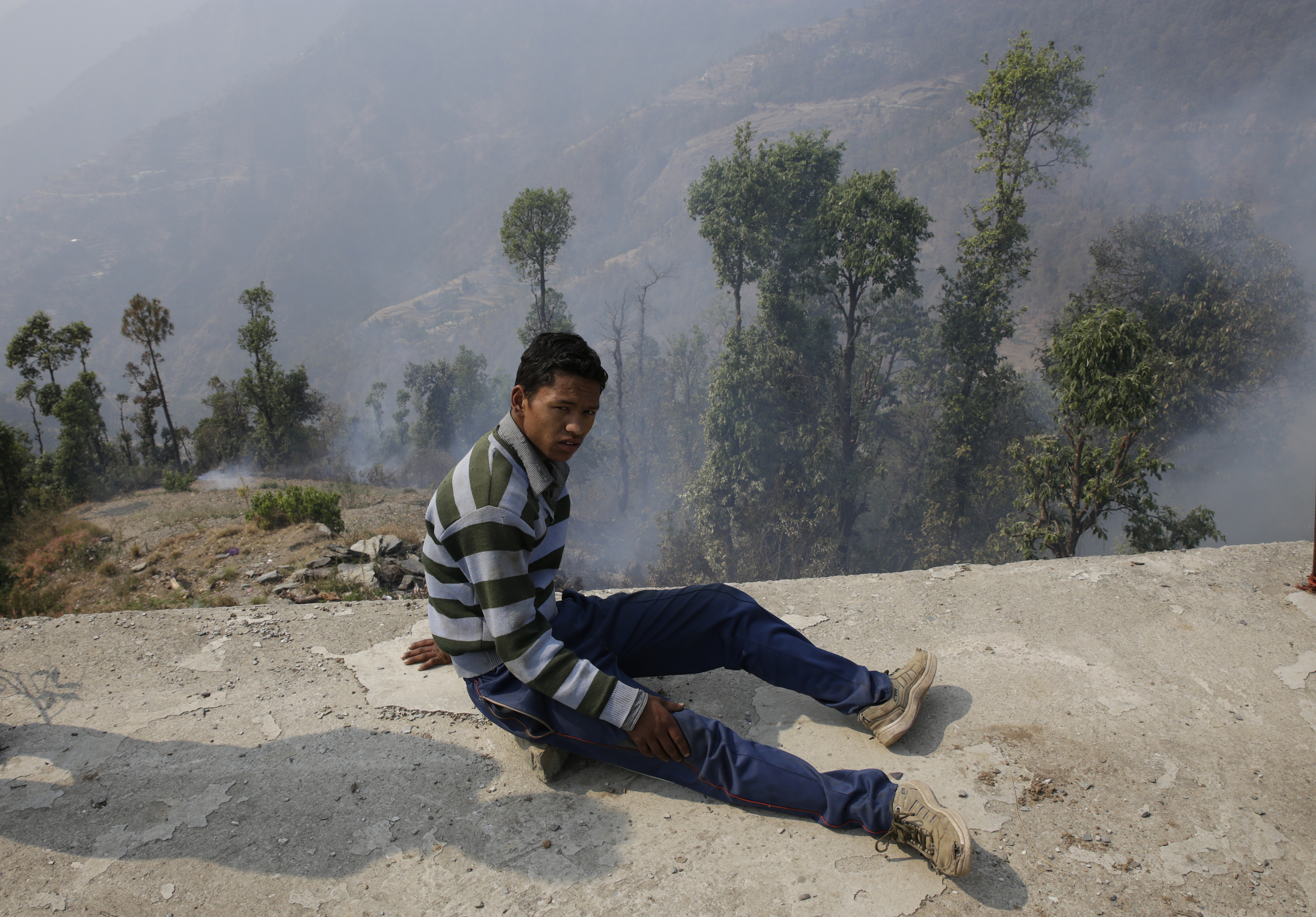 Hemant, a class 10 student from Gugghu Sigri got hurt when he tried to put out the fire near his house