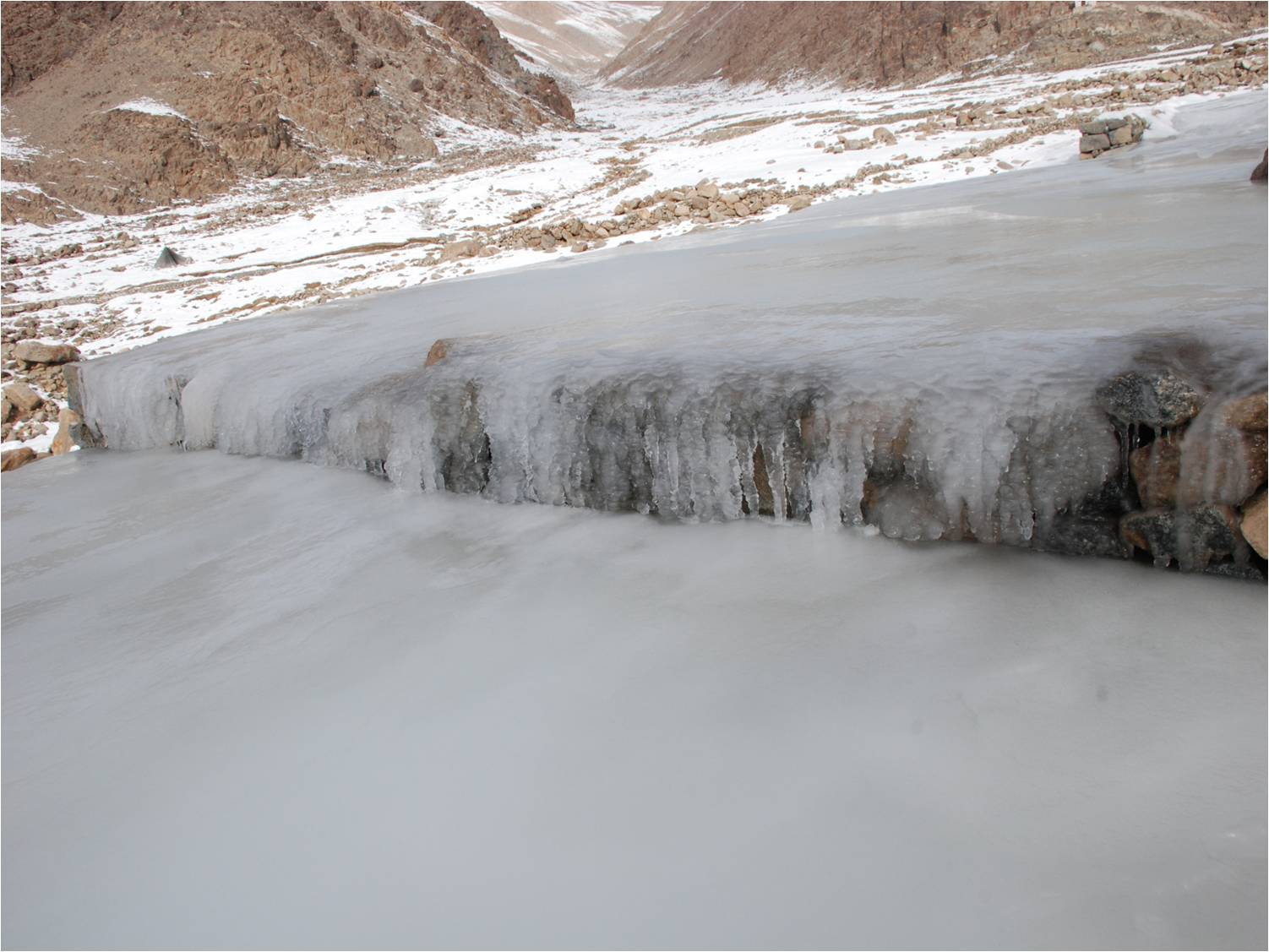 Flat pool-like structures that looked like fields of ice were constructed at an altitude of about 5,000 m (Photo: Chewang Norphel)