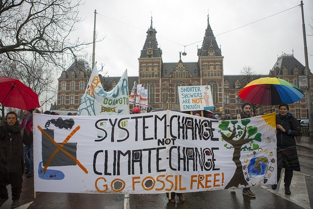 As world leaders gather in Paris, activists cry out for a strong, ambitious global climate agreement