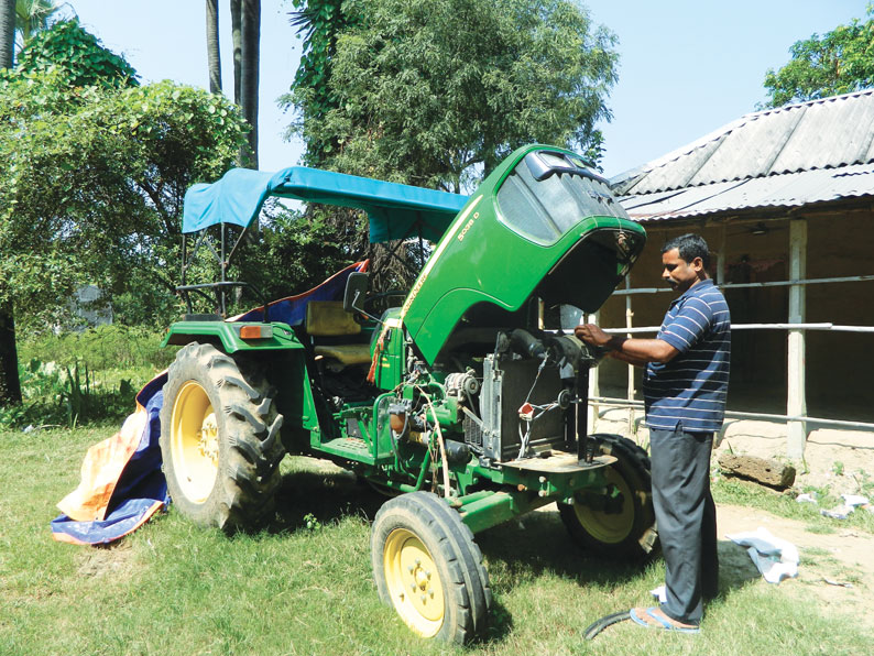 Sisir Kumar Panda rents his farm equipment to 200 small farmers in Odisha's Tentuliapada village in Balasore district (Photo: Samarjit Sahoo)