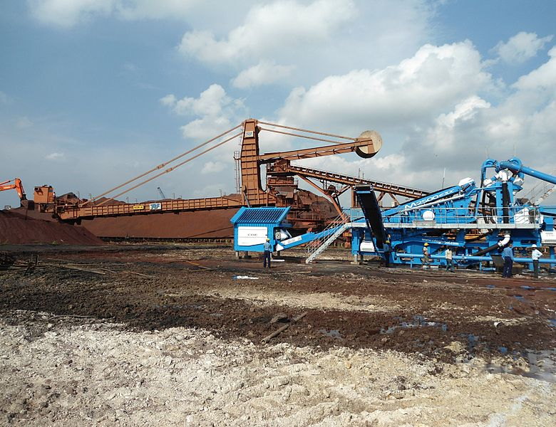 Washing mined iron ore in Odisha  Credit: Wikimedia Commons