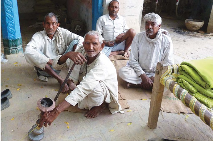 Only 19 per cent of the farmers in the country have ever availed of crop insurance. Most farmers are not aware of the existence of crop insurance schemes or uninterested or unable to afford insurance premiums (photo: Geetika Singh/CSE)