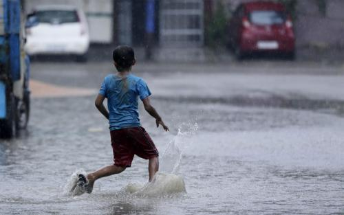 Indian states in the grip of floods; 400,000 people affected