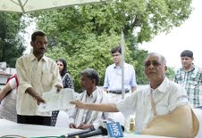 Deo slams MP government for denying forest rights to tribals in Mahan