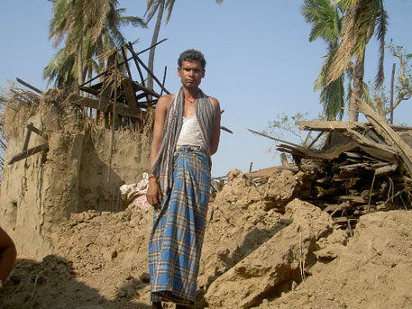 About 4 million people in Odisha have been rendered homeless by cyclone Phailin and subsequent floods (photo by Ashis Senapati)
