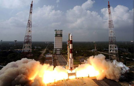 PSLV lifts off to put Mars orbiter in Earth's orbit in the first phase of the satellite's journey to Mars. (Photograph courtesy: ISRO)